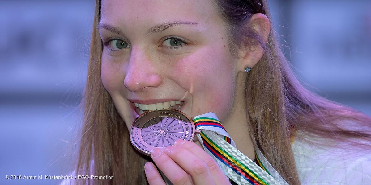 Ist echt! Marion Fromberger und ihre Bronze-Medaille ©Armin M. Küstenbrück/EGO-Promotion