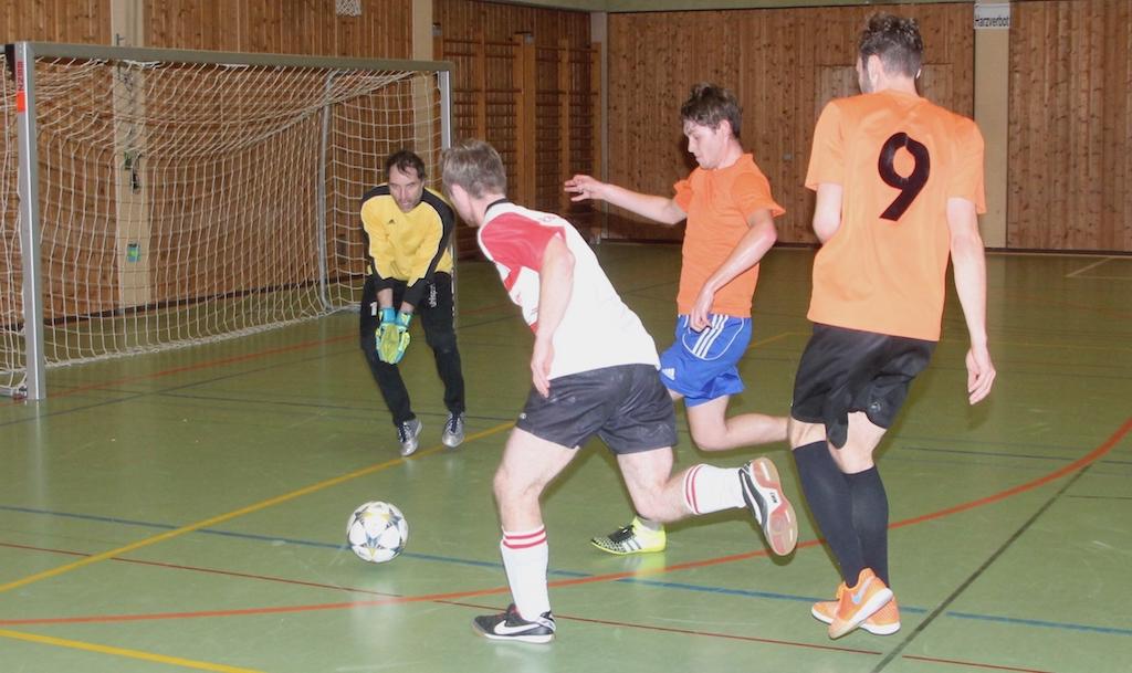 Final-Szene_Bernhard Mast-Sindlinger_MTB-Soccercup 2018_by Goller