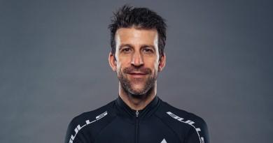 Alban Lakata_Bulls-Trikot_by Sebastian Stiphout