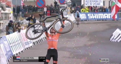 VanderPoel_celebrating bike_by Screenshot UCIP