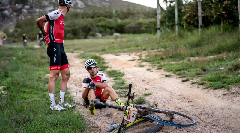 Kaess_Geismayr_shoulder_sitting_ACE19_S5_NickMuzik_1126_Absa Cape Epic