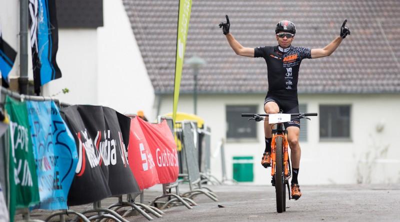 1 / 1 – Martin Fanger_3 Nation Cup Race Solingenrot-7by Werner Schulte-Luenzum