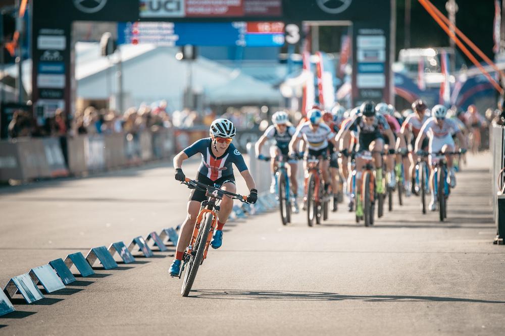 Chloe-Woodruff_bunch_WC19-Nove-Mesto_Short-Track_women_by-Traian-Olinici