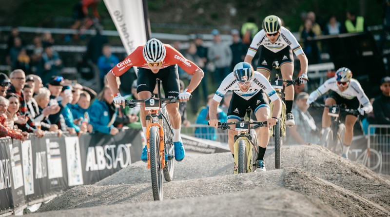 Van-der-Poel_Forster_Schurter_waves_WC19_Albstadt_Short-Track_men_by-Traian-Olinici