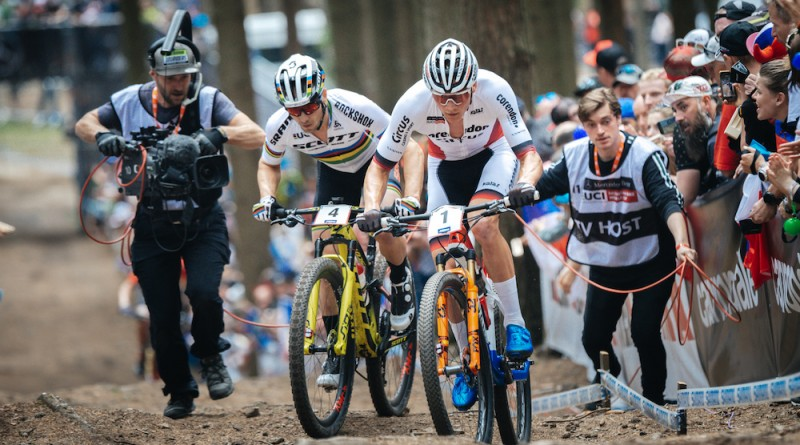 Van der Poel_Schurter_uphill_close_WC19_NoveMesto_XCO_elite_men_by Traian Olinici_