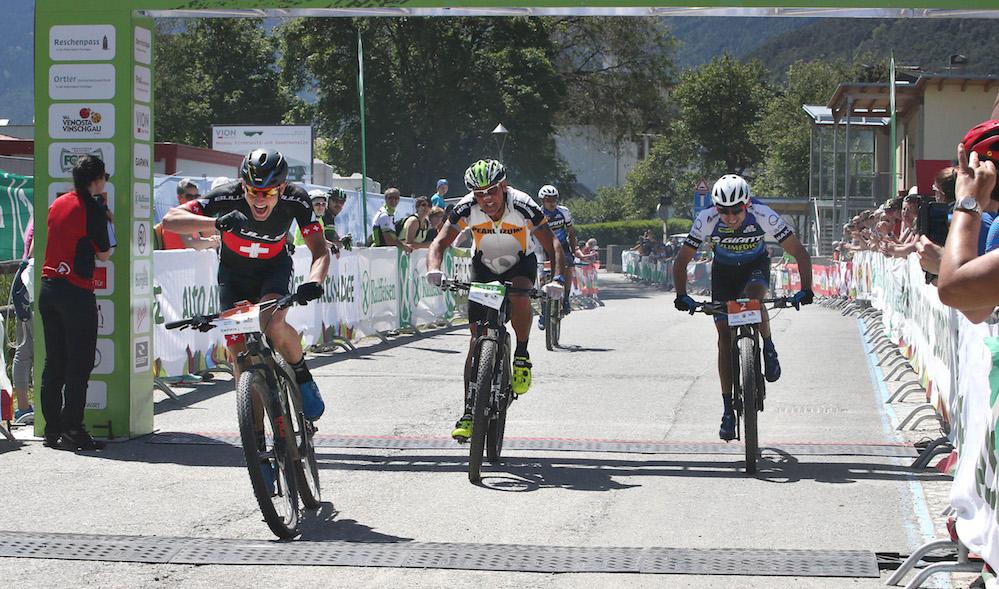 Huber_Paez_Arias_finish_Ortler-Bike-Marathon_by-Martin-Platter-