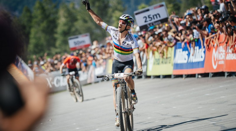 Schurter_MFlueckiger_finish_WC19_Vallnord_men_by-Traian-Olinici.