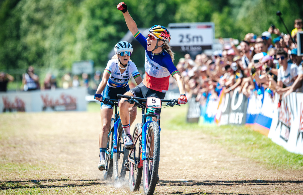 Ferrand-Prevot_Neff_finish_WC19_Val-di-Sole_women_by-Traian-Olinici_