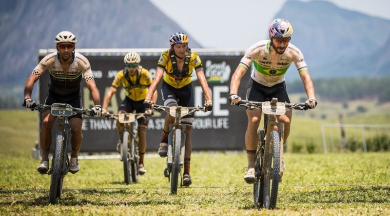 Fumic_Ferreira_Becking_Avancini_finish_Brasil-Ride3_by-Fabio-Piva