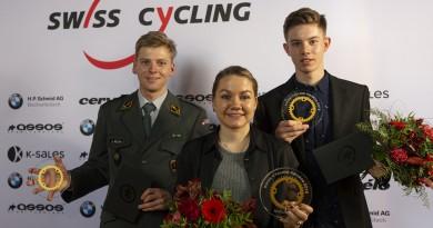 Swisscycling-Awards-2019-Winner-Team-Joel-RothSina-Frei-und-Janis-Baumann-by-Mathias-Naegeli