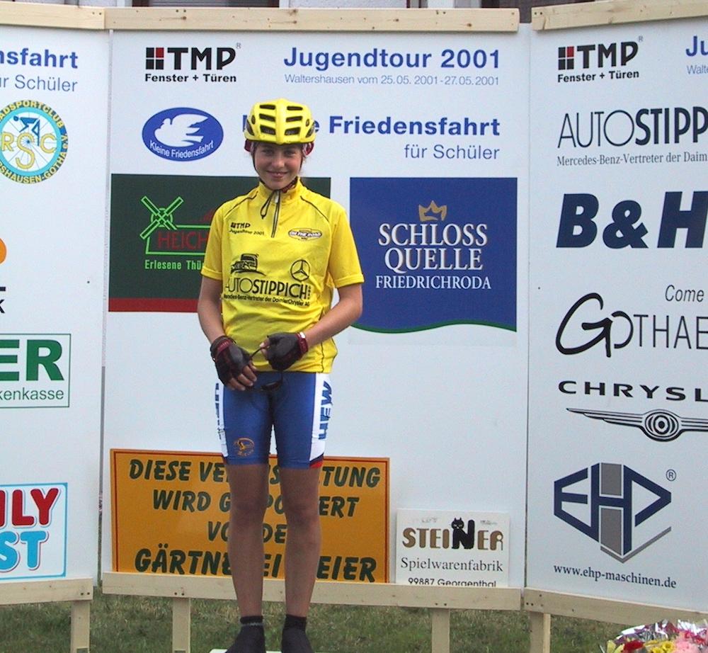 Elisabeth-Brandau-in-Gelb_TMP-Jugendtour-2001_by-Privat