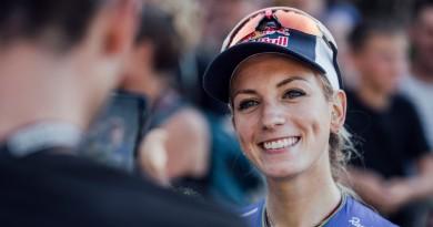 Pauline-Ferrand-Prevot_smiling_portrait_by-Bartek-Wolinski_Red-Bull-Content-Pool