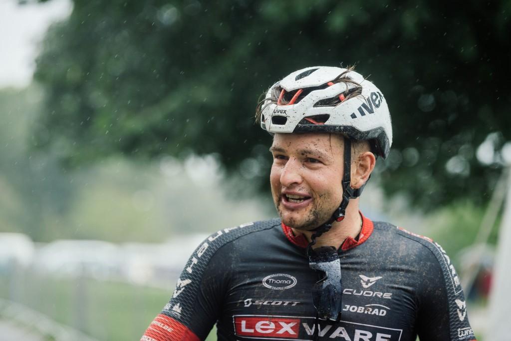 Luca Schwarzbauer im Ziel. Foto: Sigel.