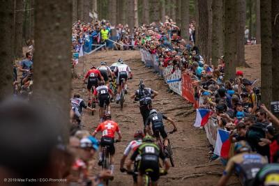 Ganz so voll wird es im Wald von NMNM nicht werden Ronja Eibl in Leukerbad © Max Fuchs / EGO-Promotion