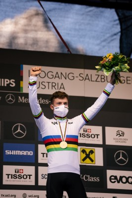 Lennart Krayer bei der Siegerehrung. Foto: Lynn Sigel.